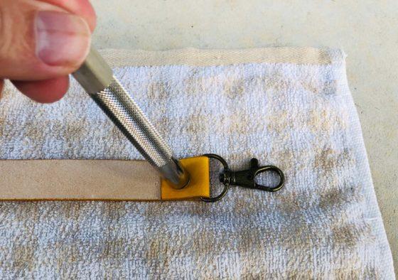 タオルを使ったボタンの取り付け方法「その2」